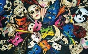 Data da foto: 08/2000 Máscaras da loja Ca'Macana.