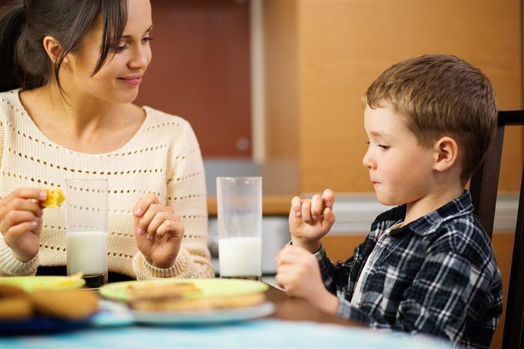 jantar fora com a mãe