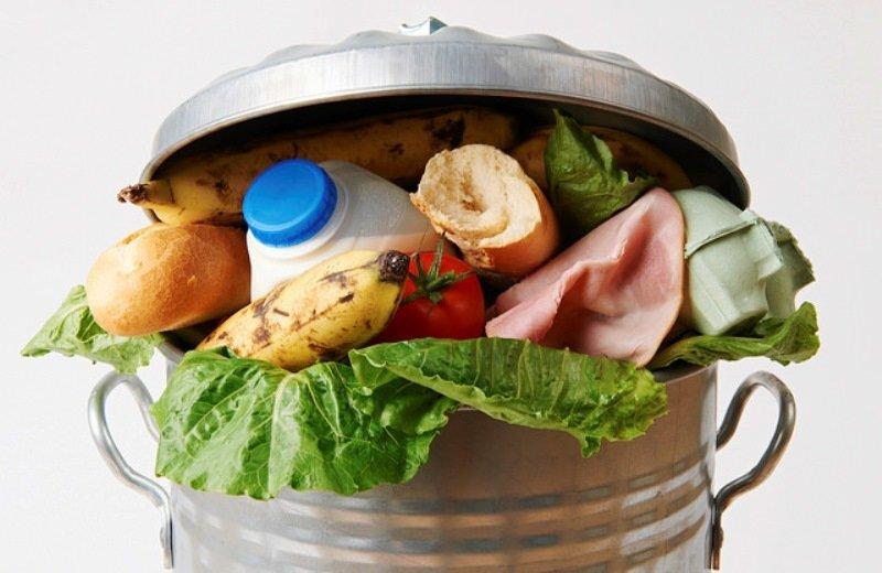 franca-proibe-mercados-jogar-comida-lixo